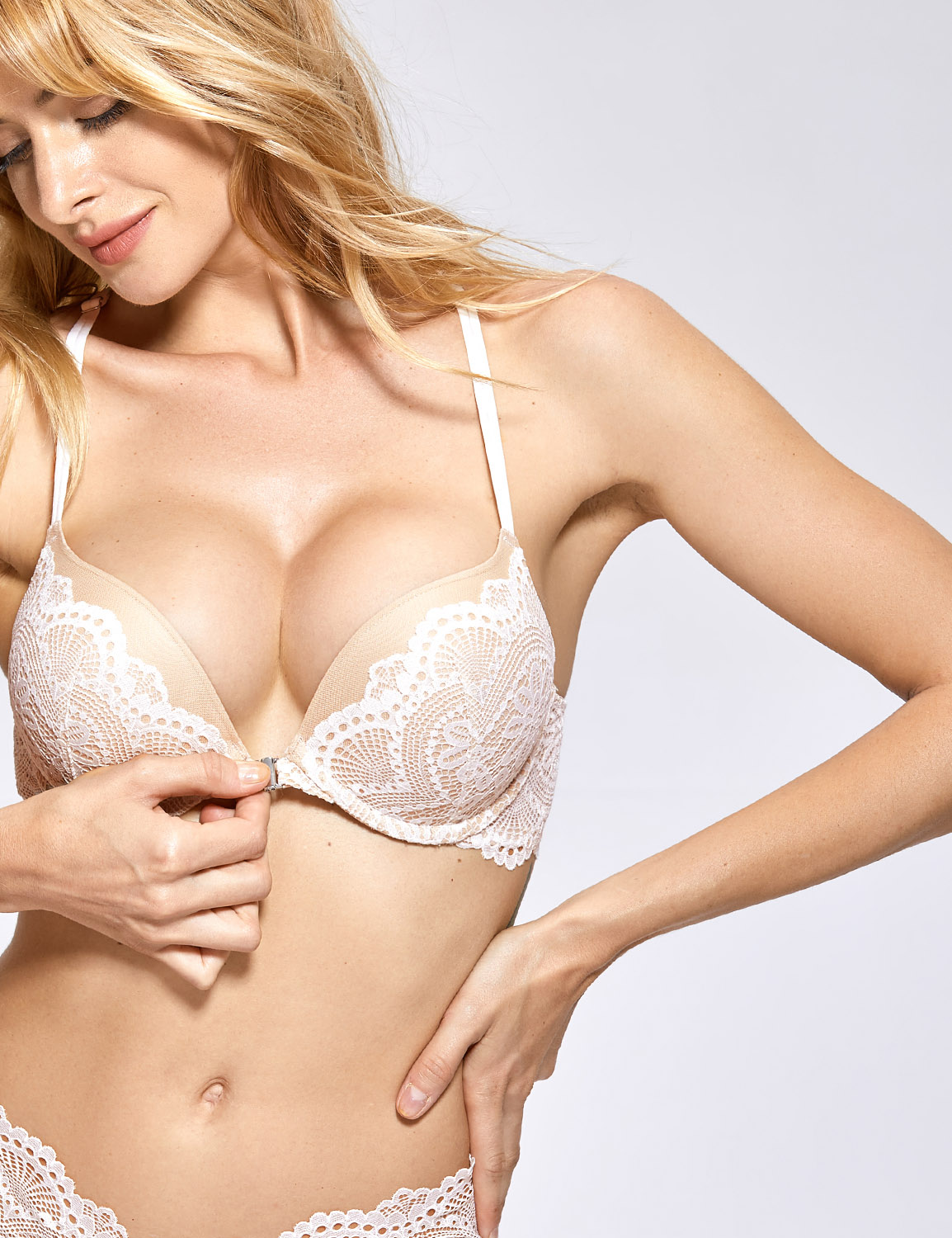 Women/'s Push up Padded Underwire Front Closure Plunge Lace Bra